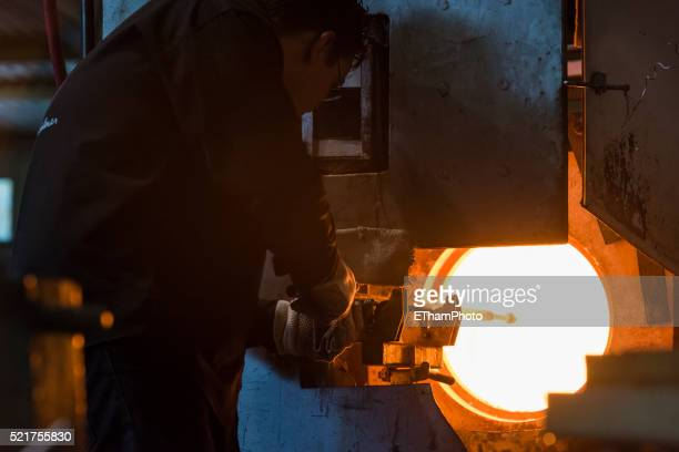traditional glass making / glass blowing - glass blowing stock pictures, royalty-free photos & images