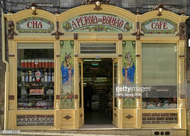 traditional grocers, rua formosa - rua fotografías e imágenes de stock