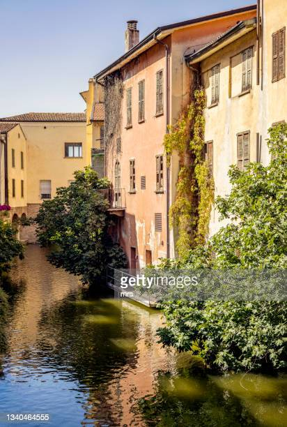 traditional historic buildings in italy - mantua stock pictures, royalty-free photos & images