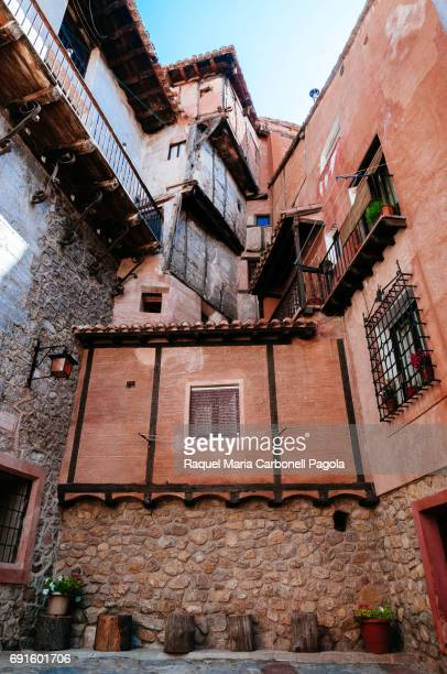 ALBARRACíN TERUEL ARAGóN SPAIN Traditional houses in the medieval village of Albarracin