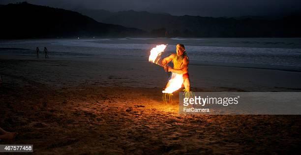 traditionelle hula-tanz - pazifikinseln stock-fotos und bilder