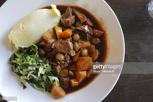 traditional irish beef stew - irish culture stock pictures, royalty-free photos & images