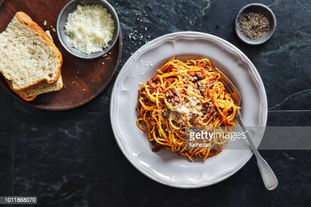 boloñesa de tradicional comida italiana spaghetti alla - cultura italiana fotografías e imágenes de stock