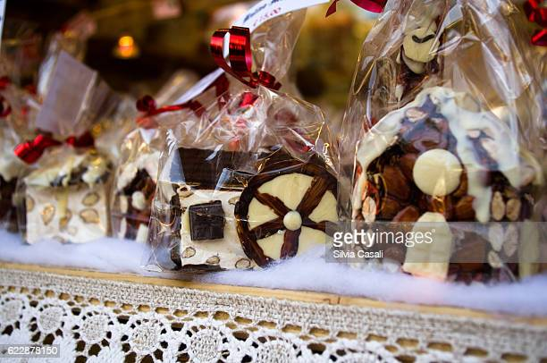 traditional italian south tyrol christmas market - silvia casali stock pictures, royalty-free photos & images