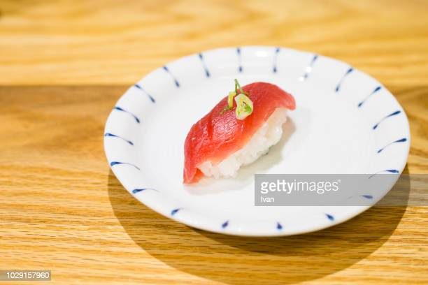 traditional japanese food, nigiri sushi, japanese seafood sushi - nigiri stock pictures, royalty-free photos & images