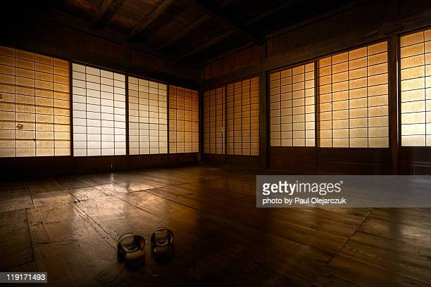 traditional japanese interior - japanese culture stock pictures, royalty-free photos & images
