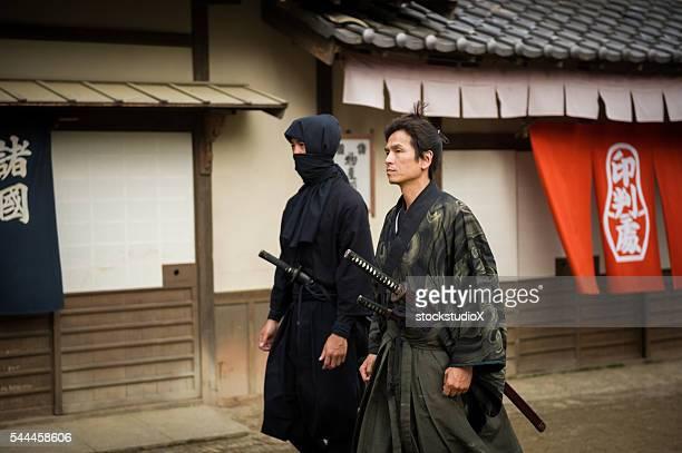 伝統的な日本の侍やニンジャ 浪人