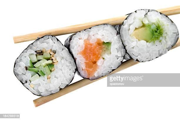 伝統的な日本の寿司白で分離