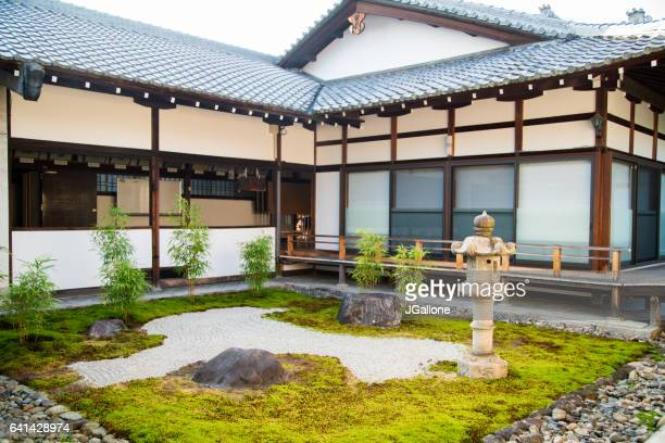 traditional japanese temple garden - shinto shrine stock pictures, royalty-free photos & images