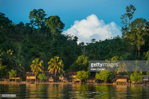 traditional kimbe village - papua new guinea stock pictures, royalty-free photos & images