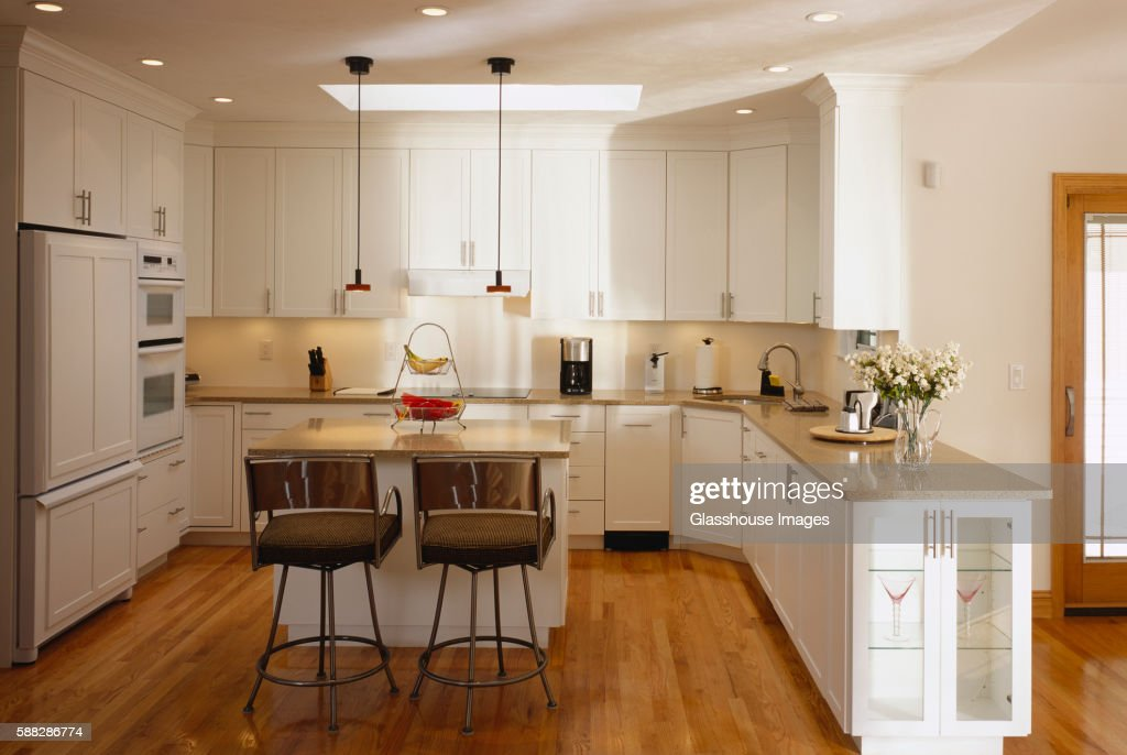 traditional kitchen ストックフォト getty images