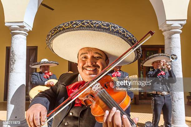 traditional mariachi band, yucatan, mexico - mexiko stock-fotos und bilder