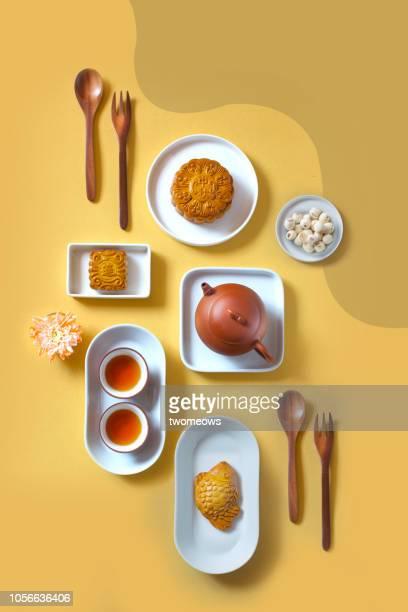 traditional mid autumn festival mooncake afternoon tea. - comida flores fotografías e imágenes de stock