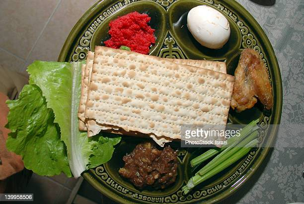 traditional passover seder plate - passover seder plate stock pictures, royalty-free photos & images