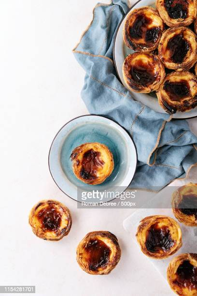 traditional portuguese dessert pastel de nata - ポルトガル文化 ストックフォトと画像