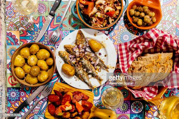 traditional portuguese dinner, directly above view - portugal photos et images de collection