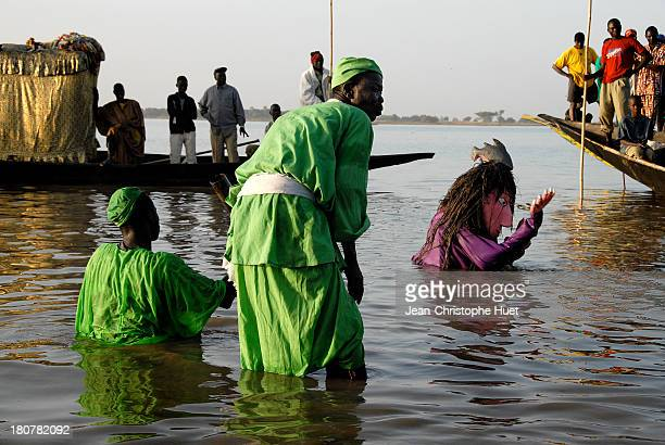 "Traditional puppets show in the Niger river during the ""Festival sur le Niger"" in Segou. This cultural festival is the most important one for Bambara..."