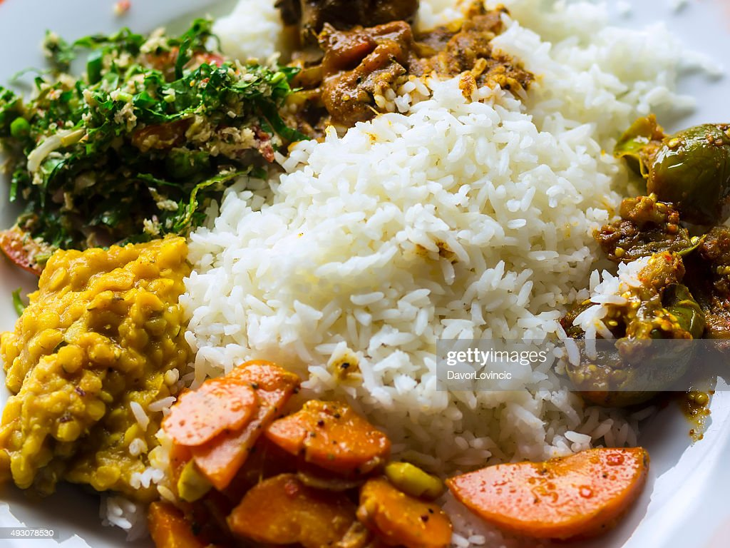 Traditionelle Sri Lanka Küche Tragen Leibhöhe Stock-Foto - Getty Images