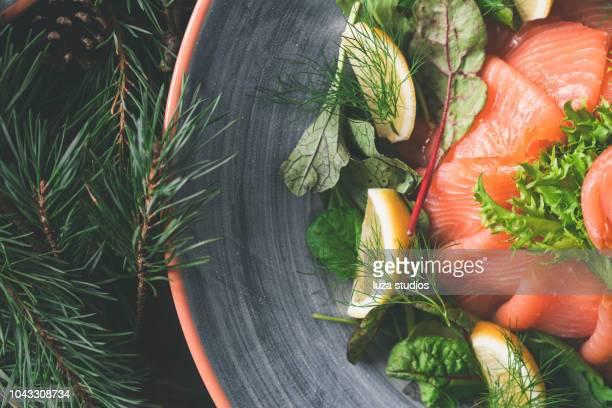 サーモンのスウェーデンの伝統的なクリスマス ディナー - 鮭料理 ストックフォトと画像