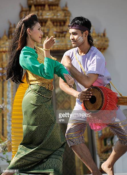 traditional thai dance, songkran festival (xxxl) - buddhist new year stock pictures, royalty-free photos & images