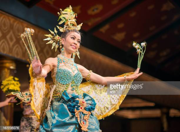 traditional thai dance, songkran festival, thailand - traditional clothing stock pictures, royalty-free photos & images