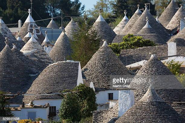 traditional trullos (trulli) in alberobello, unesco world heritage site, puglia, italy, europe - alberobello stock pictures, royalty-free photos & images