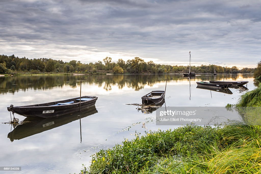 Traditional wooden boats on the Loire River, Franc : Stock Photo