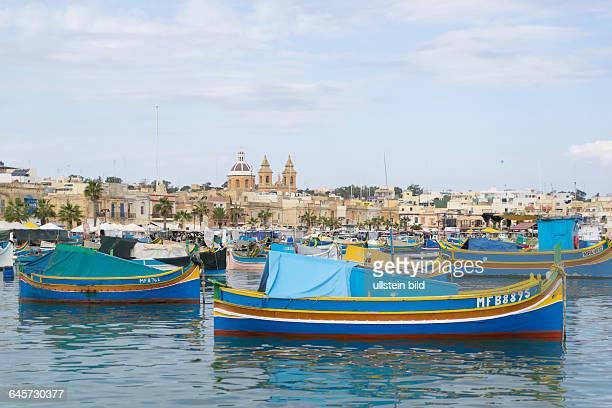 Traditionelle Fischerboote im Hafen von Marsaxlokk, Malta
