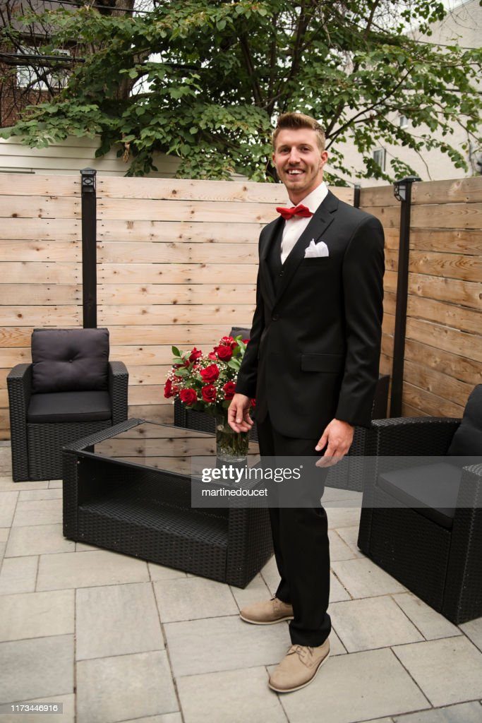 Traditionnal portrait of millenial best man before wedding. : Stock Photo