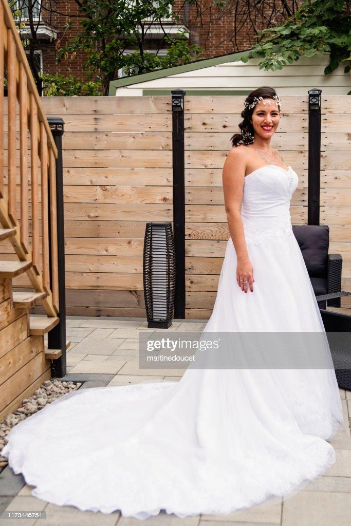 Traditionnal portrait of millenial future bride. : Stock Photo