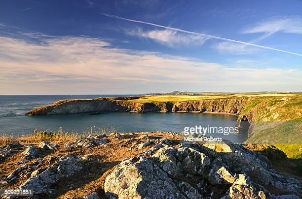 traeth llyfn beach pembrokeshire - st davids day stock pictures, royalty-free photos & images