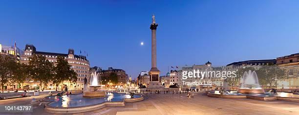 trafalgar square and nelsons column, london - トラファルガー広場 ストックフォトと画像