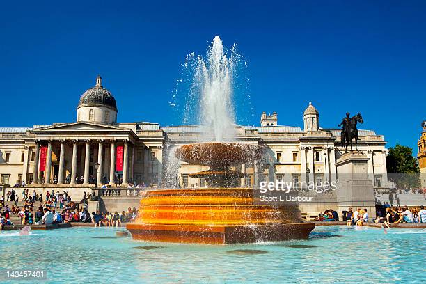 trafalgar square and the national gallery - national gallery london stock pictures, royalty-free photos & images