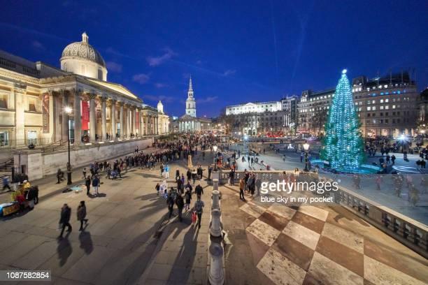 trafalgar square london at christmas, - トラファルガー広場 ストックフォトと画像