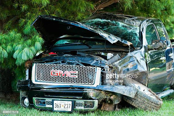 traffic accident - gmc 4x4 pick-up truck rollover - cmannphoto stock pictures, royalty-free photos & images