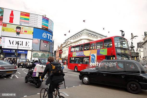 Tráfico en Piccadilly Circus
