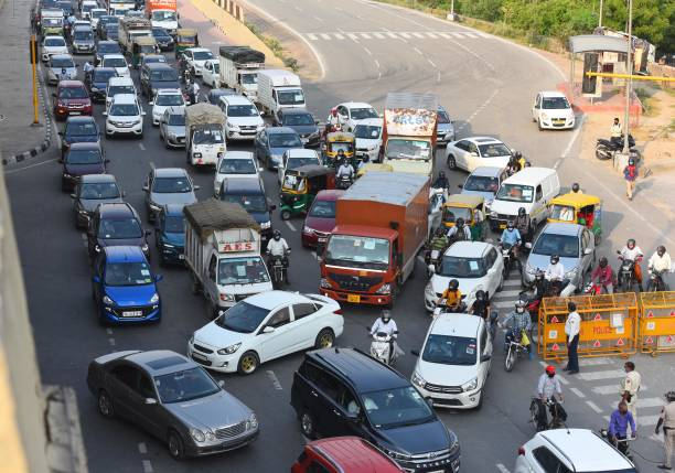 IND: Unlock 1: Traffic Snarls Galore Across India As People Throng Streets