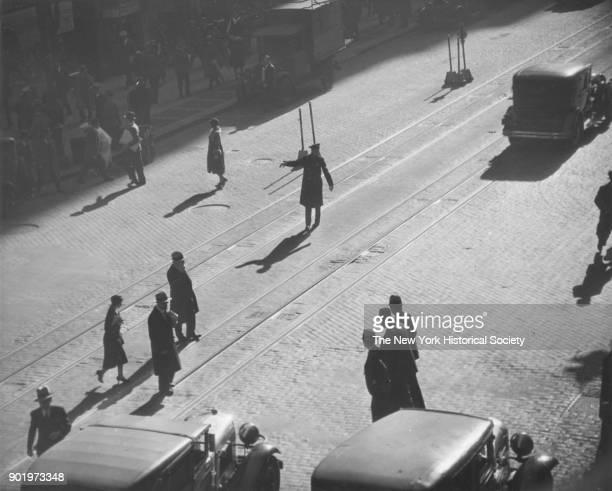 Traffic cop on unidentified avenue 1929