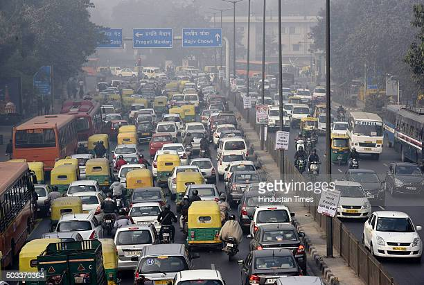 Traffic during oddeven vehicle formula at ITO crossing on January 4 2016 in New Delhi India Contrary to apprehensions Delhi's oddeven vehicle scheme...