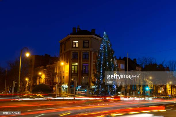"""traffic during the evening rush hour in brussels during christmas time - """"sjoerd van der wal"""" or """"sjo"""" stock pictures, royalty-free photos & images"""