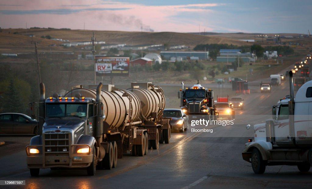 Bakken Turns Oasis Into Target As Fracking Costs Slide : News Photo