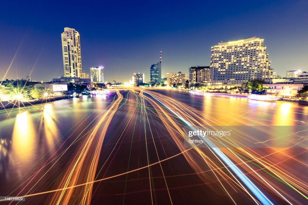 Traffic in Chao Phraya river, Bangkok : Stockfoto