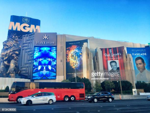 Verkeer voor het MGM Grand op The Strip in Las Vegas, Nevada