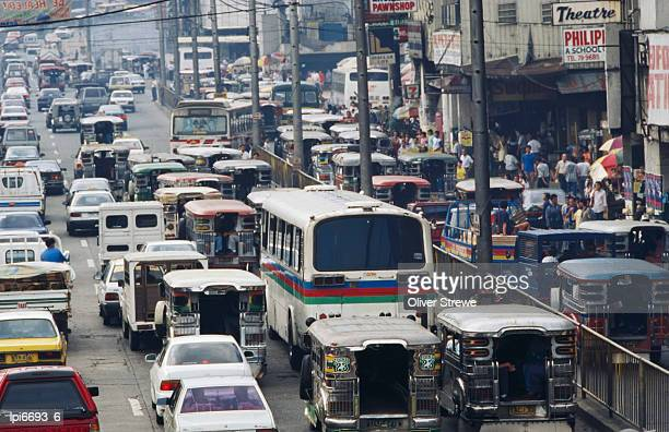 traffic in inner city, manila, philippines - metro manila stock-fotos und bilder