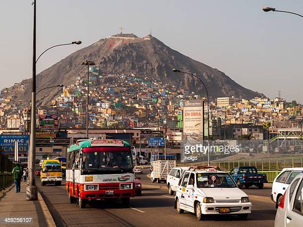 tráfico en lima, perú - lima peru fotografías e imágenes de stock