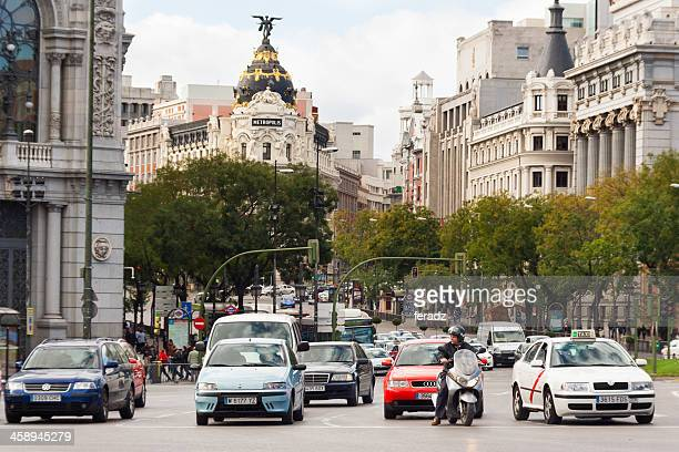 tráfico en madrid - tráfico fotografías e imágenes de stock