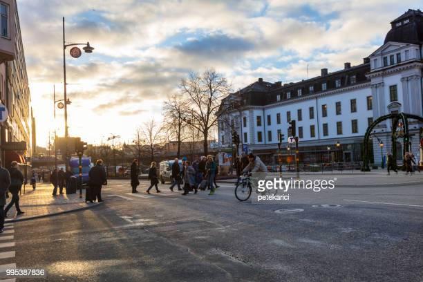 traffic in stockholm - west europa stockfoto's en -beelden
