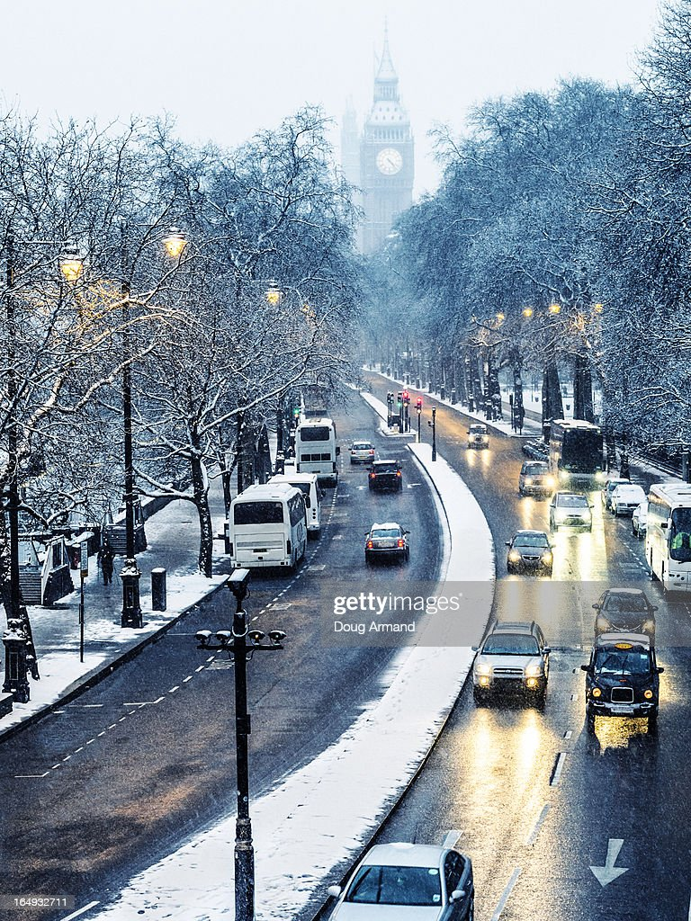 Traffic In The Snow On Victoria Embankment London Photos Com