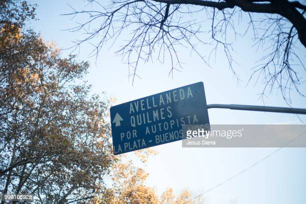 traffic information. buenos aires. - la plata argentina stock pictures, royalty-free photos & images