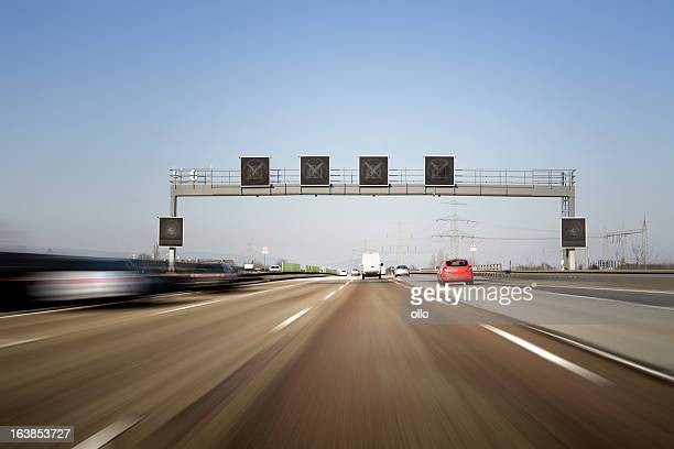 Traffic information system auf Deutsche autobahn A5-motion blur